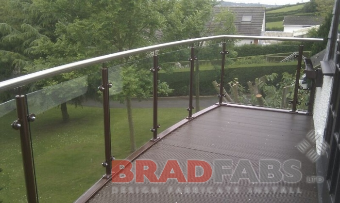 Enjoy your garden with stunning views - Glass balustrade is the perfect option!