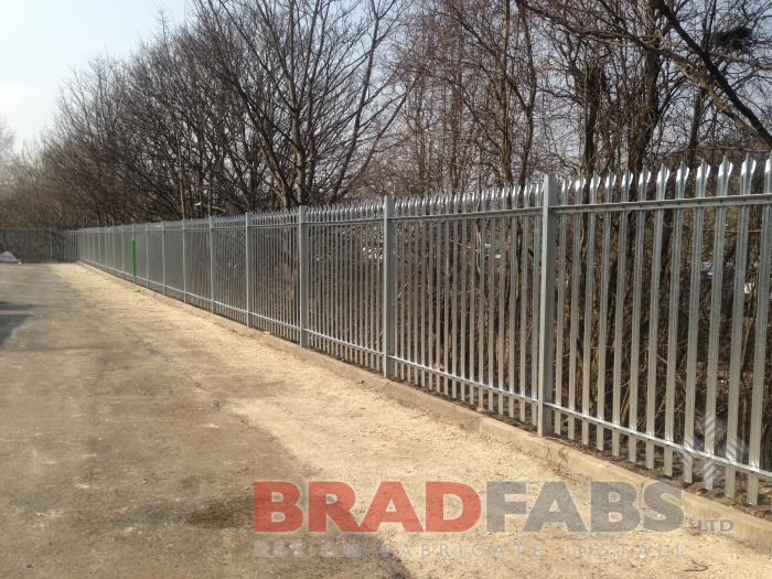 Fencing,Fence,metal fencing,steel fencing,metal fence,barb wire fence installation,fences,yard fencing,fences panels,fencing trellis,steel fence posts,metal fence posts,fencing panels,home fences,fence gate inn,chain link fencing,site fencing,metal fences