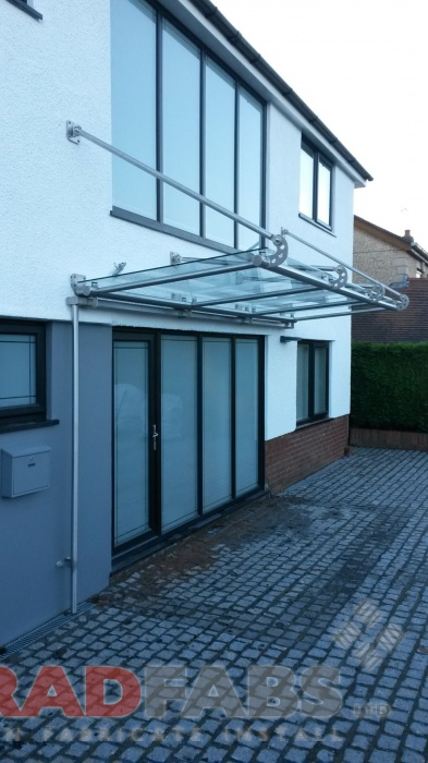 Residential canopy installed by Bradfabs
