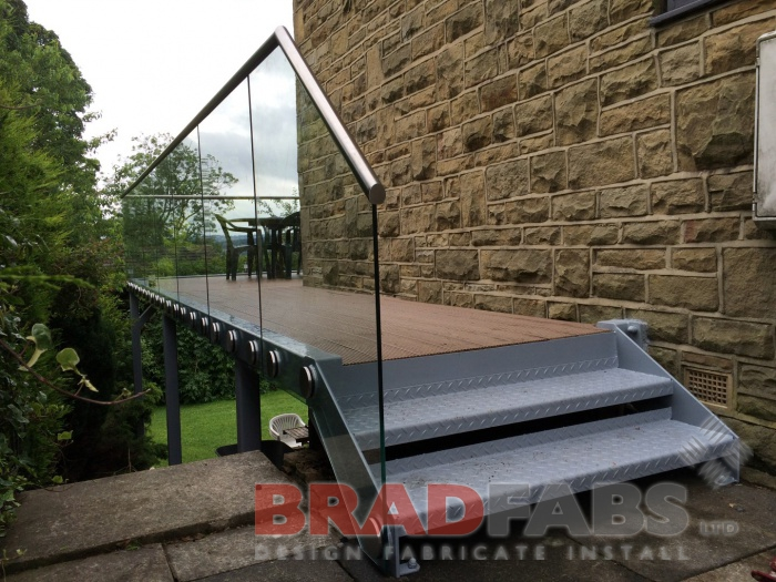 composite decked flooring on large balcony by Bradfabs