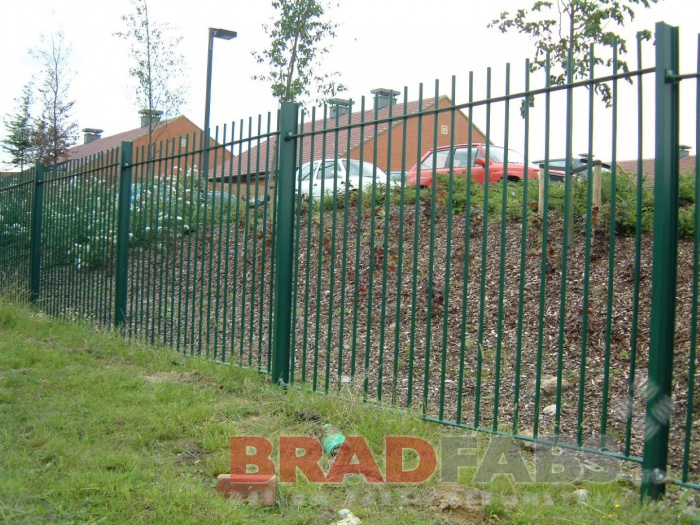 Railing installed and manufactured by Bradfabs