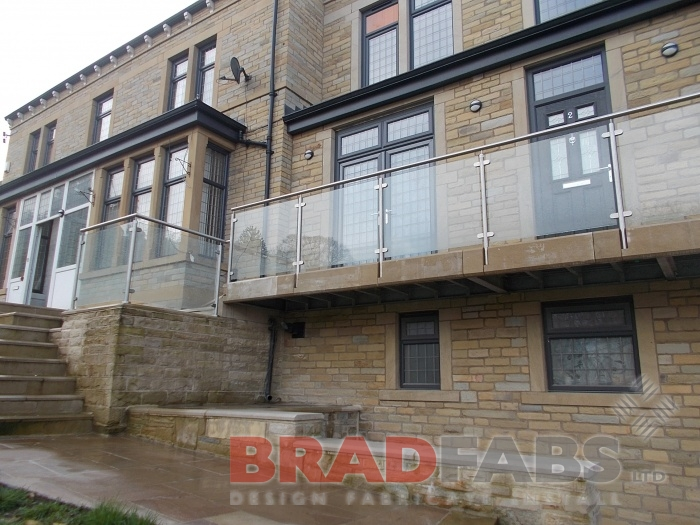 Glass Balustrade Installation - Uk Wide