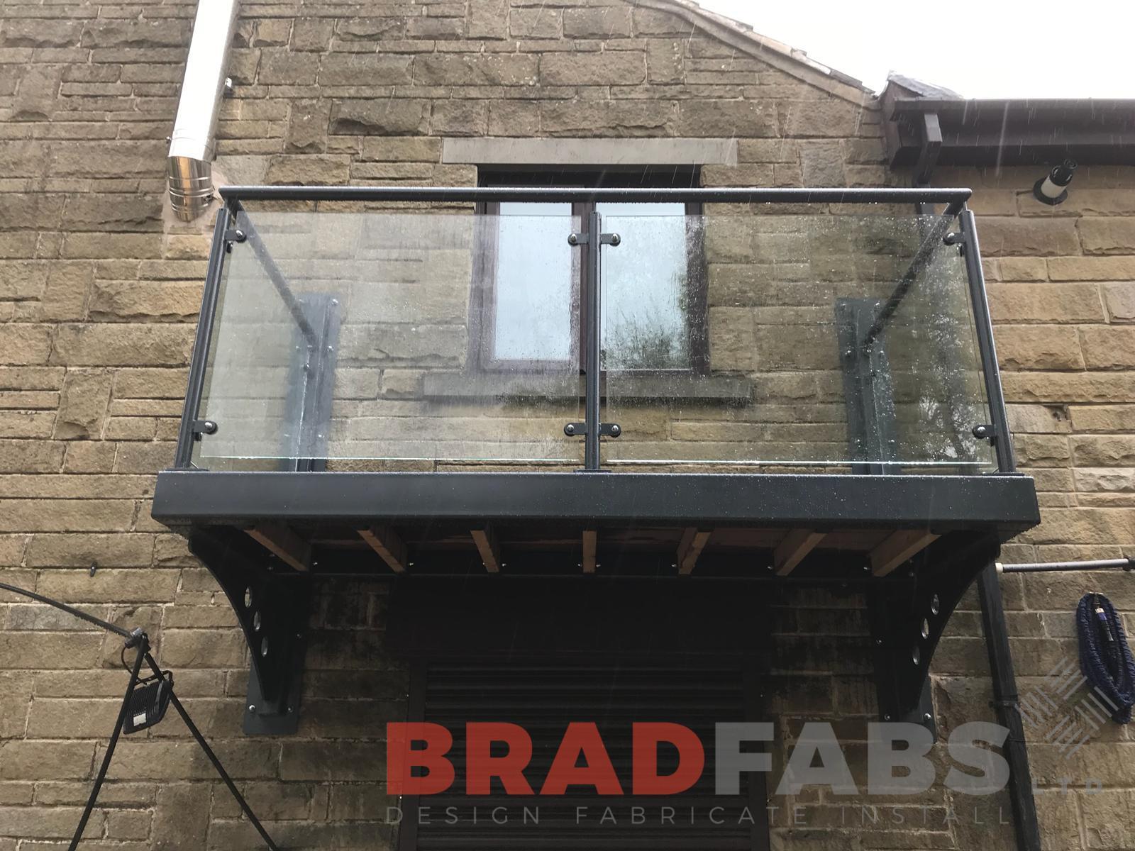 Balcony without leg support designed, manufactured and installed by Bradfabs