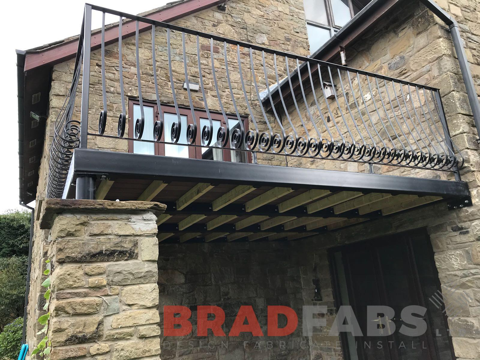 Metal railing balustrade balcony by UK balcony manufacturers Bradfabs