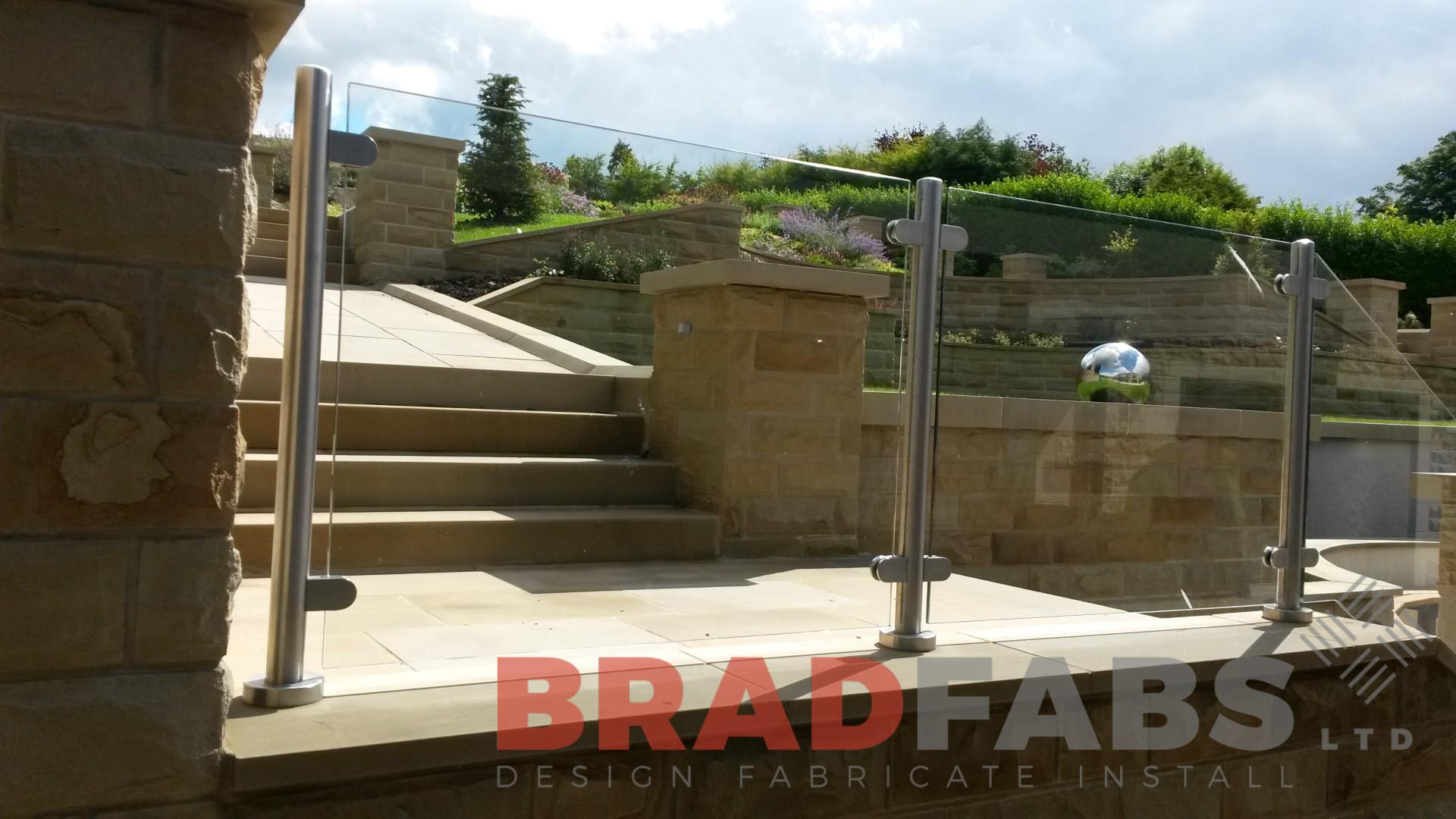 Stainless steel and tinted glass balustrade
