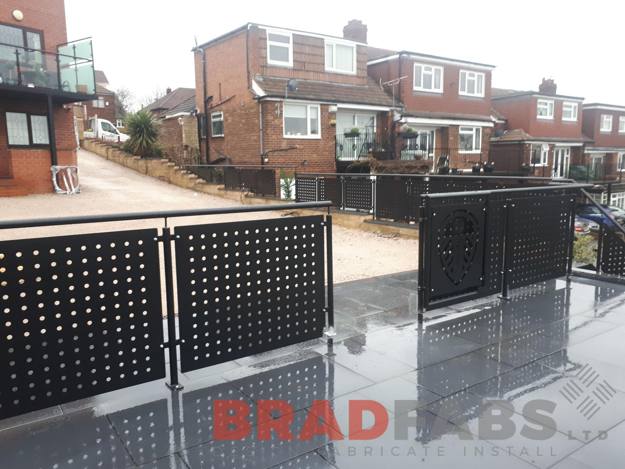 Decorative balustrade with gate, mild steel, powder coated, galvanised, with handrail