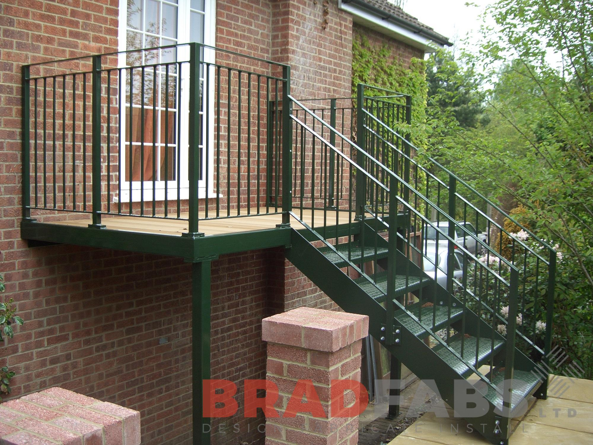 Mild steel galvanised powder coated vertical bar balustrade durbar treads