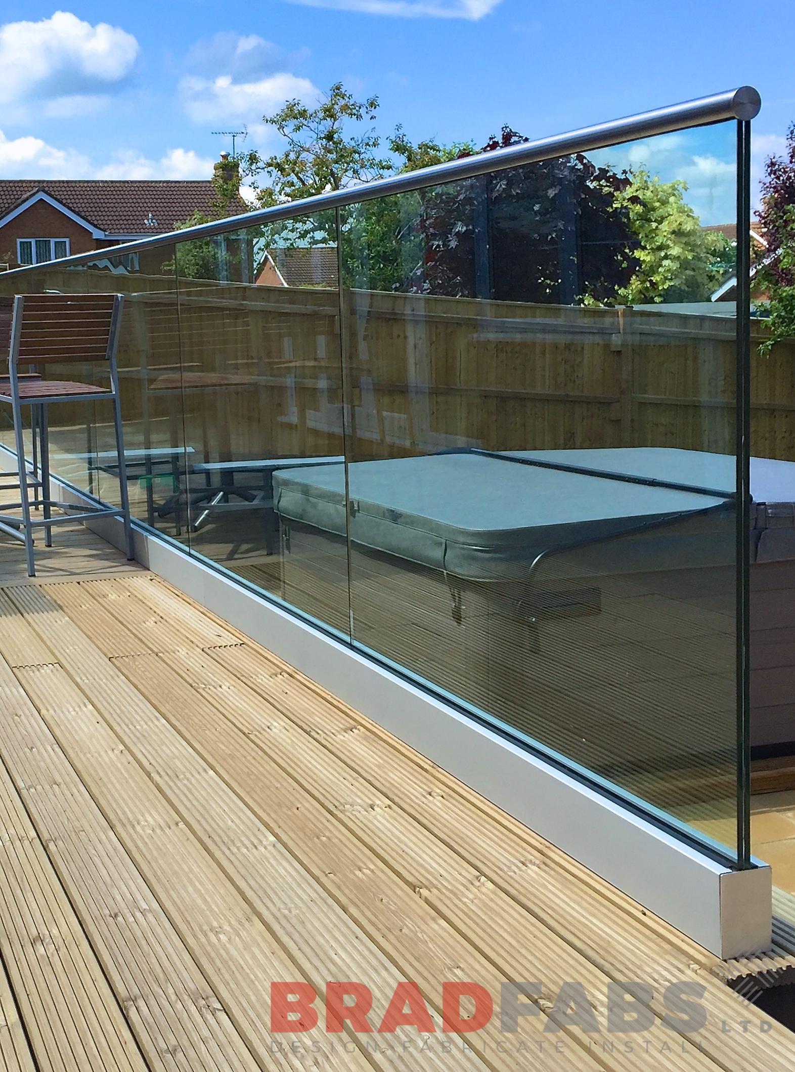 Floating Glass Garden Balustrade