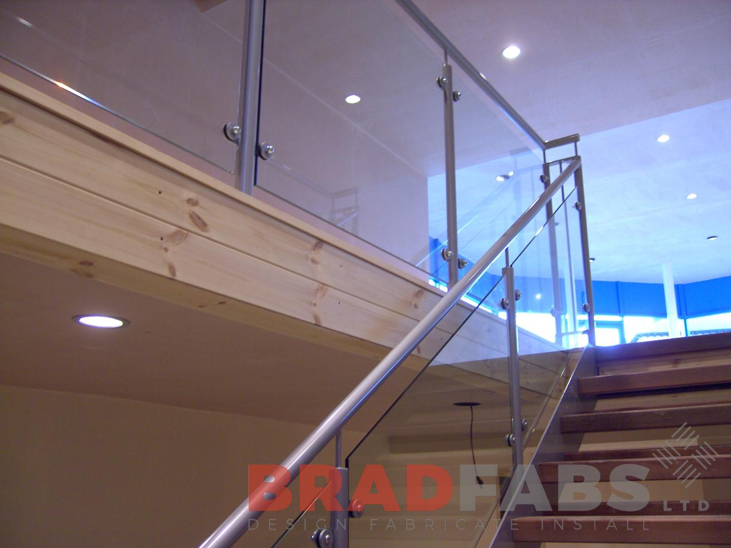 stainless steel balustrade glass infil panels