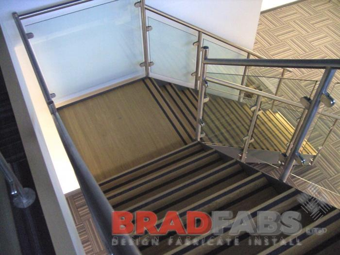 Stainles steel handrail glass balustrade open treads